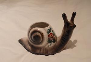Snail Plant Pot €1